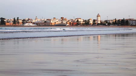 марокканский : Essaouira town on Atlantic ocean beach, Morocco
