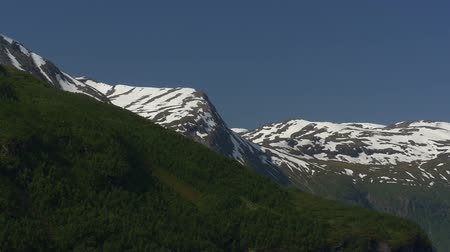djupvatnet : 1080p, Mountain range covered with ice, Norway (native camera output)