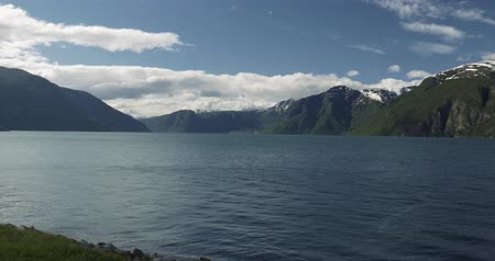 oppstrynsvatnet : 4K, Beautiful Pan along the Sognefjord, Norway