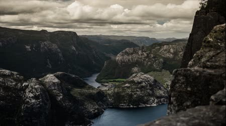 épico : 1080p, Epic and dramatic time lapse of Preikestolen in Norway