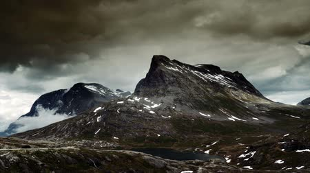 épico : 1080p, Epic and dramatic time lapse of Trollstigen area in Norway Vídeos