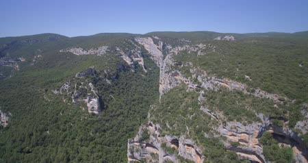 овраг : Aerial, Barranco De Argatin At Rio Vero, Pyrenees, Spain - native Version