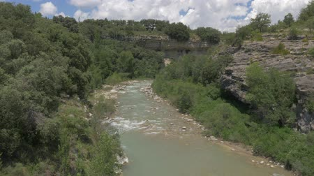 huzurlu : River At Barranco De Ramillar, Pyrenees, Spain - native Version Stok Video