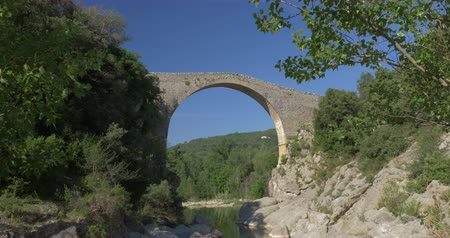eu : Pont Medieval De Lllierca, Pyrenees, Spain - native Version