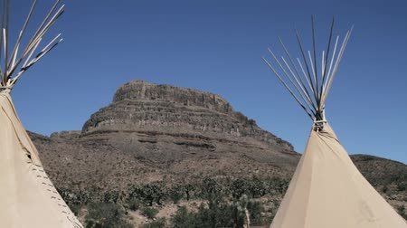 západ : Indian Teepees, Wigwams