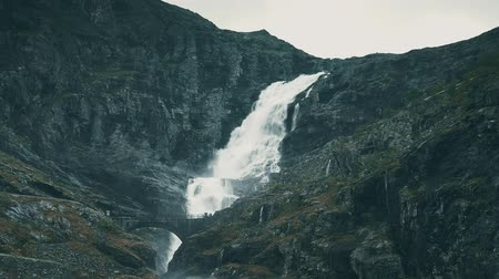 serpentine : The Trollstigen, Norway - graded
