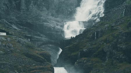 yılantaşı : The Trollstigen, Norway - graded