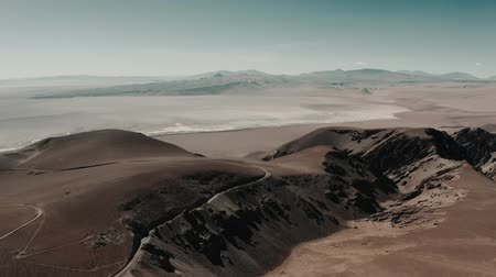 versiyon : Aerial, Vista del Llullaillaco, Salar de Arizaro, Argentina - cine version Stok Video