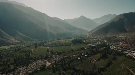 спектр : Aerial, Above Tualhuen, Home Of The Lapislazuli, Chile - cine version Стоковые видеозаписи