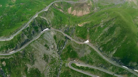 horská pastvina : Aerial View of Transfagaras mountain road in Transylvanian Carpathian, Romania