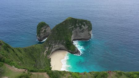 юг : Famous cliff on the island Nusa Penida