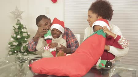 family life : Black family christmas greeting Stock Footage