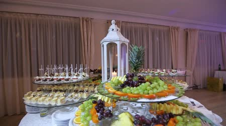wedding cake : wedding table with sweets and cakes, pastries sweets