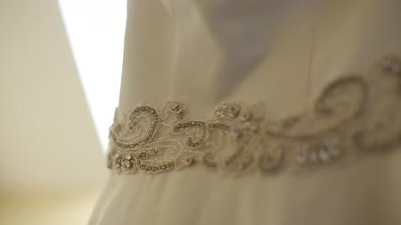 filigrana : Diamond Brooch at Luxury Wedding Dress Vídeos