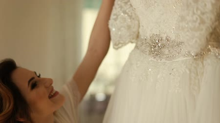 vőlegény : Big beautifull wedding dress close up