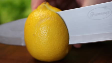 cytryna : Lemon cut into segments Wideo