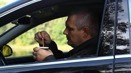 porta : Man with coffee in car episode 2