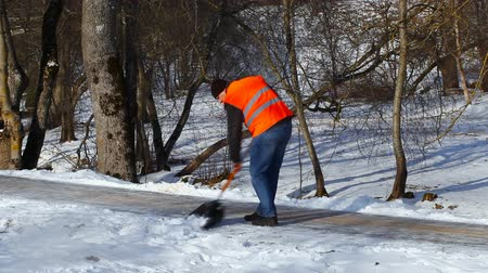 career path : Man with a snow shovel in winter episode 4