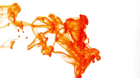 mürekkep : Orange colored ink dropped into water