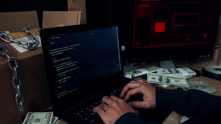 хакер : Hacker cyber attacking a system Стоковые видеозаписи