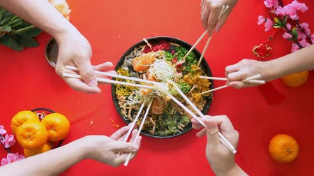 loção : The starting of tossing the yee sang Stock Footage