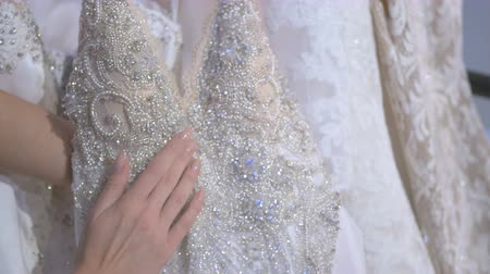 подвенечное платье : Close-up: bright elements of wedding dress
