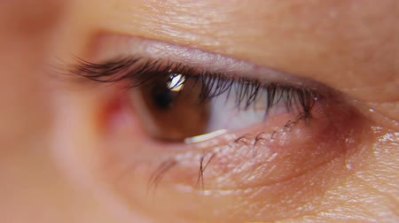 hipnoza : Attractive woman eye close up Wideo