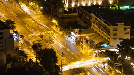 machine sous : bangkok highway street traffic night timelapse. Full Hd video.