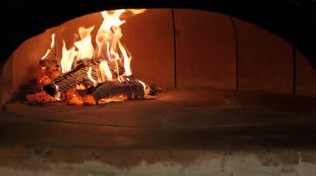 Furnace fire for pizza