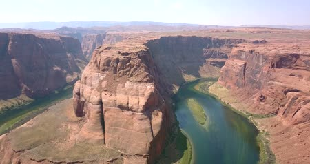 řídit : Horseshoe Bend is a famous meander on river Colorado near the town of Page. Arizona, USA. Dostupné videozáznamy