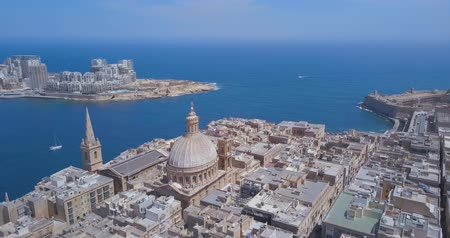 avrupa birliği : Aerial panorama of Ancient capital city of Valletta Malta. Island Country of Europe in the Mediterranean Sea. Stok Video