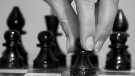 xadrez : chess game, to make the first move