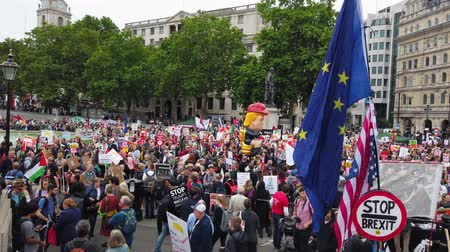 égalité : LONDON, UK - June 4th 2019: Large crowds of protesters gather in central London to demonstrate against President Trumps state visit to the UK