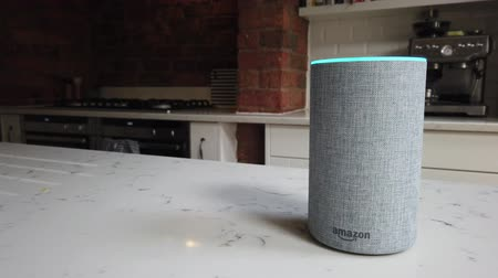 LONDON, UK - October 29th 2019: Amazon Echo 2nd generation device with Alexa voice recognition service Vídeos