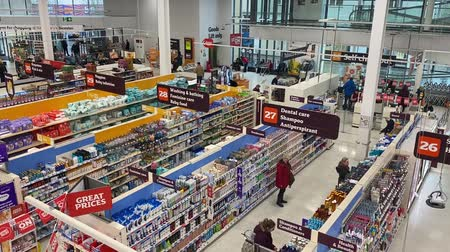 aisles : LONDON, UK - February 28th 2020: High angle view overlooking the aisles of a sainsburys supermarket