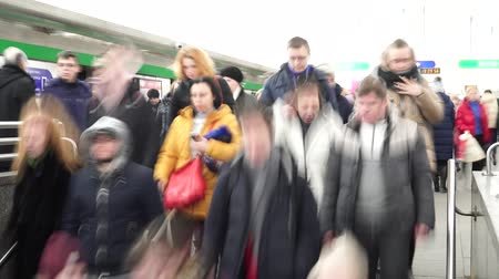 exiting : crowd descends stairs in center of Gostiny Dvor metro station, long exposure Stock Footage