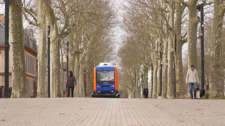 minibus : Driverless Electric Buses is testing in Toulouse, France. Stock Footage