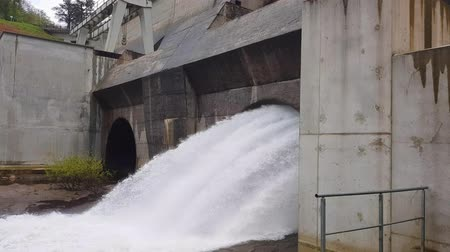 hydro : View of the hydroelectric station.