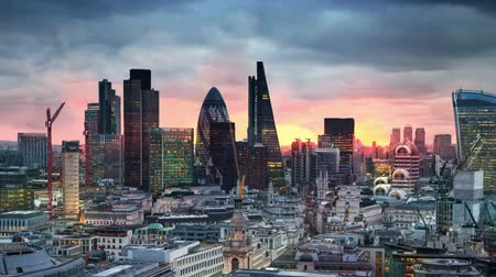 londra : London, sunset. City of London view business and banking aria Stok Video