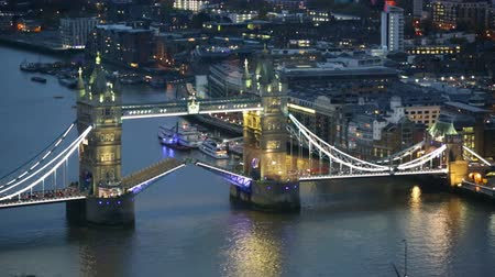 LONDON, UK - NOVEMBER 4, 2015: Tower bridge.  Night view of City of London. view from the 35 floor includes Tower bridge and River Thames Vídeos