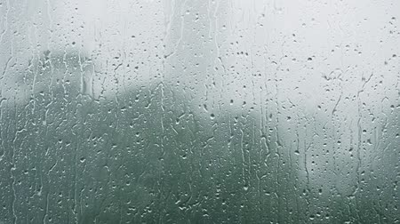 релаксация : Raindrop on glass, refresh for relaxation.