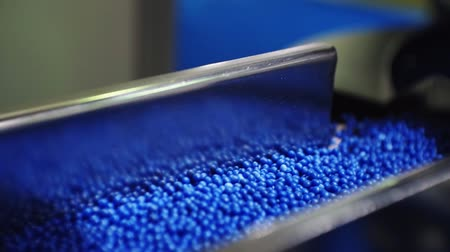 fornada : plastic granules move along the production line