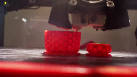 modelagem : 3D printer working close up. Vídeos