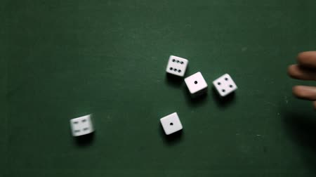 kombinasyon : Poker Dice rolling two pairs