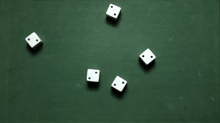 Poker Dice rolling poker five-of-a-kind on twos Wideo
