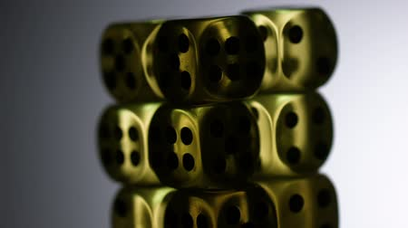 kości do gry : game of reflections on gold dice rotate screensaver for casinos Wideo