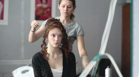 фотосъемка : Model visage hairstyle for photography in studio.