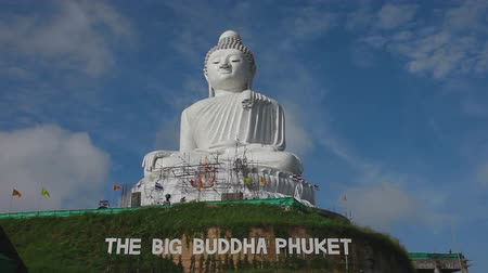 budist : Big Buddha monument Stok Video