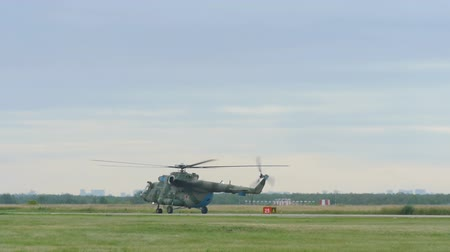 mi : Helicopter Mil-171 taxiing before take-off