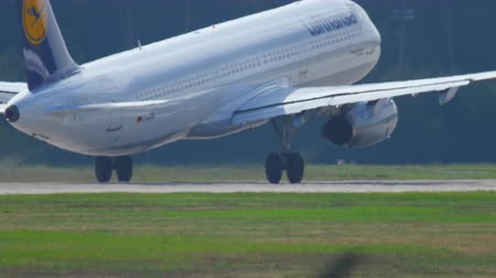 airplane engine : Airplane take-off Stock Footage